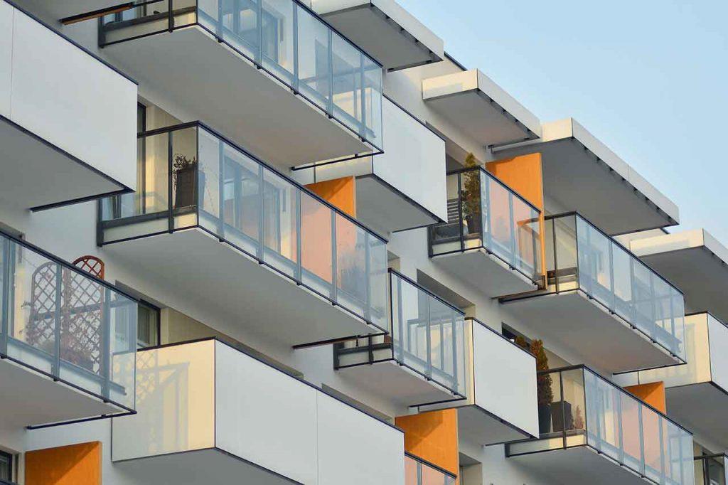 Kanzlei Koops | Rechtsanwalt Idstein | Berliner Balkone sind klein | Wohnraummiete